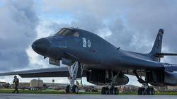 Ασκήσεις προσημείωσης βομβαρδισμού στόχων στη Βόρεια Κορέα από αμερικανικά βομβαρδιστικά