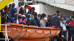 Η λιβυκή ακτοφυλακή αναχαίτισε περίπου 300 μετανάστες από την Αφρική, ανατολικά της