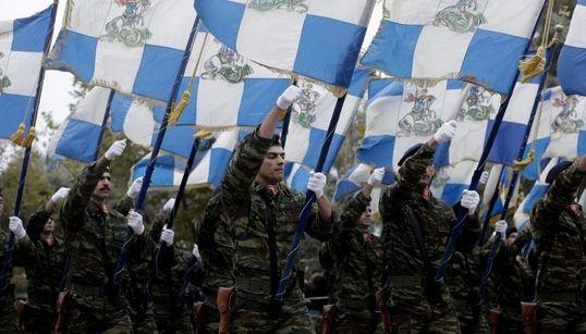 Εντυπωσιακές φωτογραφίες από τη στρατιωτική παρέλαση στη