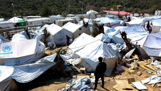 Μετακινήσεις προσφύγων από τα νησιά στην ηπειρωτική Ελλάδα ενόψει