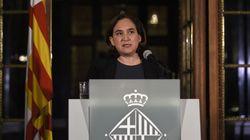Κατά της μονομερούς ανακήρυξης ανεξαρτησίας η δήμαρχος Βαρκελόνης. Αποχωρούν για τη Μαδρίτη μεγάλες