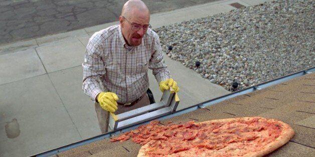 Ο κόσμος πετάει πίτσες στο σπίτι του Walter White, οπότε ο ιδιοκτήτης αποφάσισε να βάλει