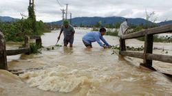 Τουλάχιστον 37 νεκροί από πλημμύρες και κατολισθήσεις στο