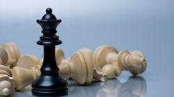 Αποκλεισμός παγκοσμίου φήμης Ιρανής σκακίστριας που δεν φοράει μαντίλα. Τώρα πια θα παίζει σκάκι για τις