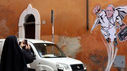 Σούπερ - Πάπας. Ο Πάπας Φραγκίσκος όπως δεν τον έχετε