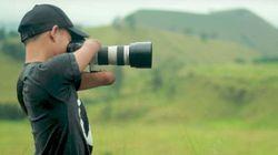 Αυτός ο 24χρονος εργάζεται επαγγελματικά ως φωτογράφος, χωρίς να έχει χέρια και