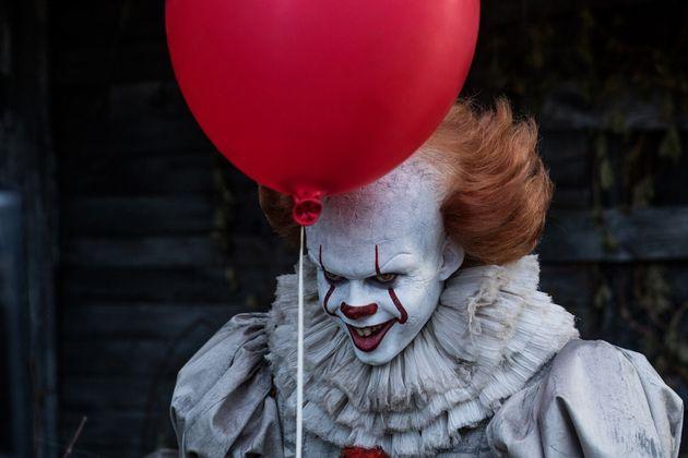 Les candidats devront regarder 13 films adaptés des romans de Stephen King avant Halloween dont...