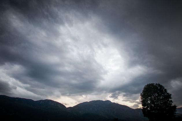 Εκτακτο Δελτίο ΕΜΥ: Αλλαγή του καιρού με καταιγίδες, ισχυρούς ανέμους και πτώση της