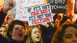 Οι γυναίκες στην Ιρλανδία ξανά σε θέσεις μάχης για το δικαίωμα στην άμβλωση εν όψει και του νέου