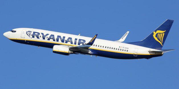 Φάρσα για βόμβα ο λόγος της αναχαίτισης πτήσης της Ryanair από βρετανικά