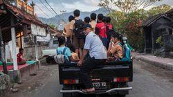 Πόλη-φάντασμα το Μπαλί. Εγκαταλείπουν τα σπίτια τους οι κάτοικοι υπό την απειλή του