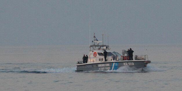 Σκάφος με μετανάστες και πρόσφυγες εντοπίστηκε ανοιχτά της