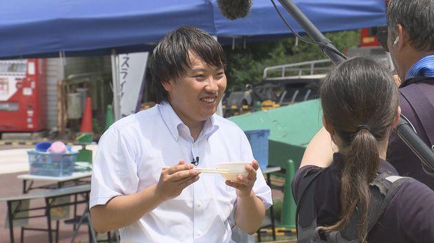 「さよならテレビ」より。派遣社員として東海テレビの報道部で働くこととなった記者。
