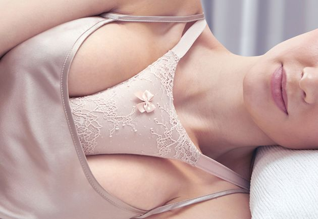 Women Can Now Buy A Pillow To Fight Cleavage Wrinkles, Because Apparently Thats A Thing