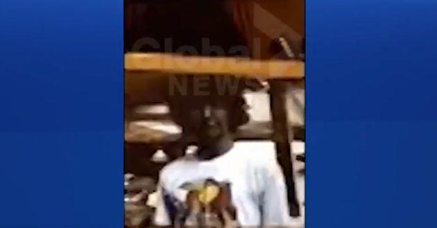Le média canadien Global News a publié la troisième image de Justin Trudeau portant du maquillage noir...
