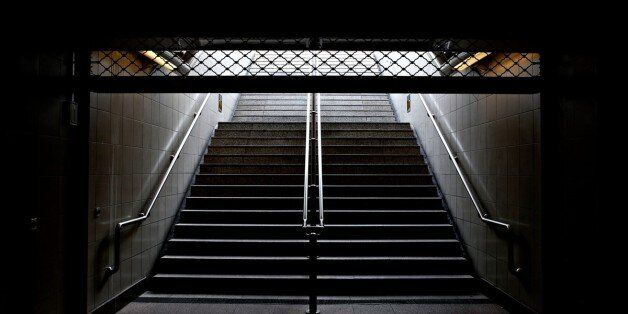 Νεκρός ανασύρθηκε άνδρας που έπεσε στις γραμμές του μετρό στο σταθμό