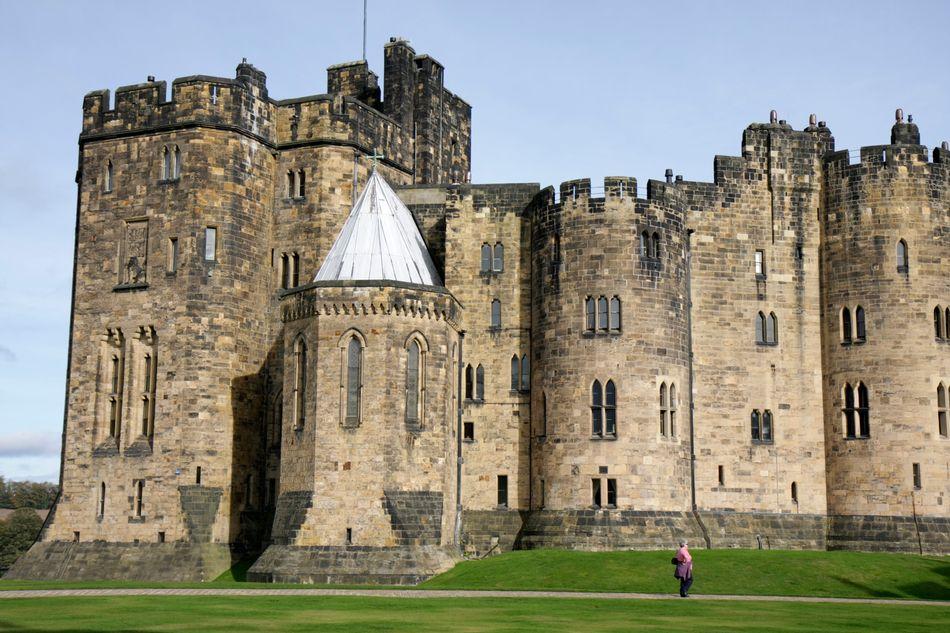 Erguido no século 11, o castelo de Alnwick fica no condado inglês de Northumberland. Foi usado como o cenário de Hogwarts em vários filmes.