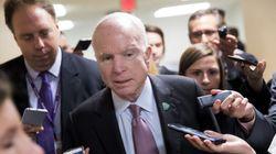 ΗΠΑ: Ο γερουσιαστής Τζον Μακέιν σκοπεύει να καταψηφίσει το ν/σ για την κατάργηση του