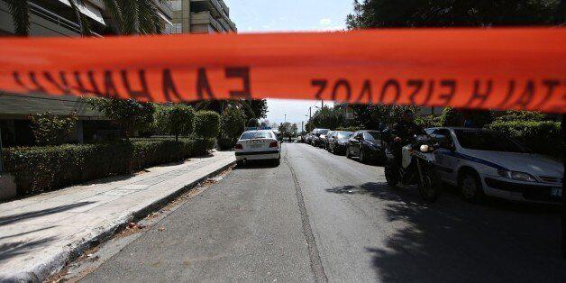 Συνελήφθησαν δύο αστυνομικοί που εμπλέκονται σε υπόθεση ληστείας Σύριου τον περασμένο