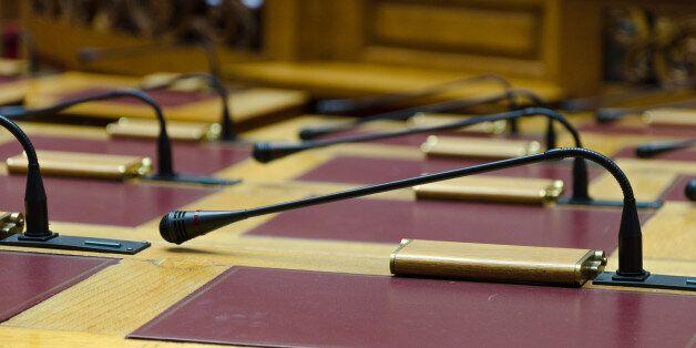 ΝΔ και Δημοκρατική Συμπαράταξη δεν θα ψηφίζουν ξανά διατάξεις αν δεν τις στηρίζουν και οι δύο κυβερνητικοί