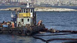 Το πετρελαιοφόρο «Aegean breeze 1» συνεχίζει την επιχείρηση απάντλησης των καυσίμων από το «Αγ. Ζώνη