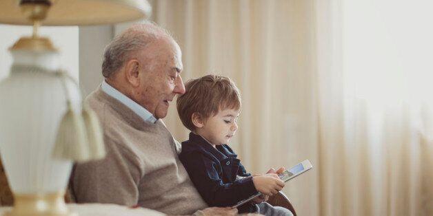 Ρεκόρ γήρανσης του πληθυσμού και υπογεννητικότητας οδηγούν σε μείωση του πληθυσμού στην Ελλάδα μέχρι...