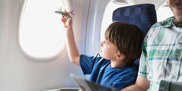 Πώς μολύνεται ο αέρας στις καμπίνες των αεροπλάνων. Ένα σύνδρομο με συνέπειες για τον