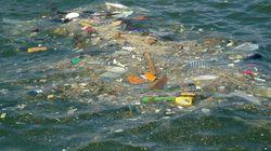 Βύθιση δεξαμενόπλοιου στο Σαρωνικό: Ρύπανση 1,5 χλμ από πετρελαιοειδή και