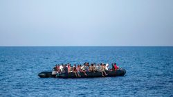 Σκάφος με πρόσφυγες εντοπίστηκε νότια της