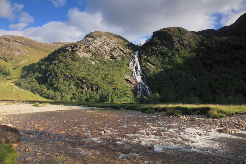 A cachoeira de Steall Falls, perto de Fort William, nas Highlands escocesas, serve de pano de fundo da primeira tarefa do Torneio Tribruxo no quarto filme da série, além de vários momentos de partidas de quadribol.