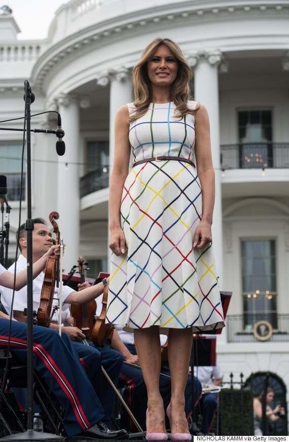 Ο Τραμπ έλεγε ότι φτιάχνουν το μέλλον με Αμερικανικά χέρια και η Μελάνια φορούσε φόρεμα Ελληνίδας