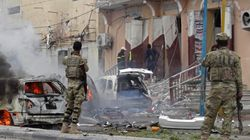 Τουλάχιστον 10 νεκροί σε επίθεση της αλ Σεμπάμπ εναντίον στρατιωτικής βάσης στη