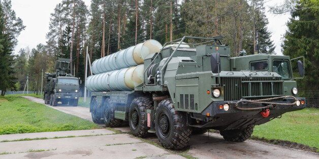 MOSCOW REGION, RUSSIA - MAY 17, 2017: An S-400 Triumf surface-to-air missile system (front) and a Pantsir-S...