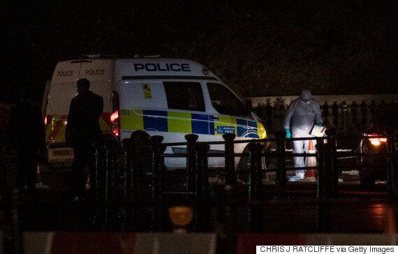 Βρετανία: Έρευνα για τρομοκρατία ξεκίνησε η αστυνομία μετά τη σύλληψη ενός οπλισμένου άνδρα στο