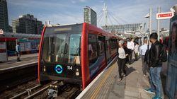 Συναγερμός για φωτιά στο Λονδίνο: Διακόπηκε η σύνδεση μεταξύ των σταθμών Σάντγουελ και Μπανκ του σιδηροδρόμου στα