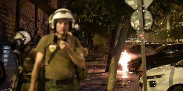 Επεισόδια επί δύο ώρες στη Πατησίων. Επίθεση με βόμβες μολότοφ εναντίον αστυνομικής