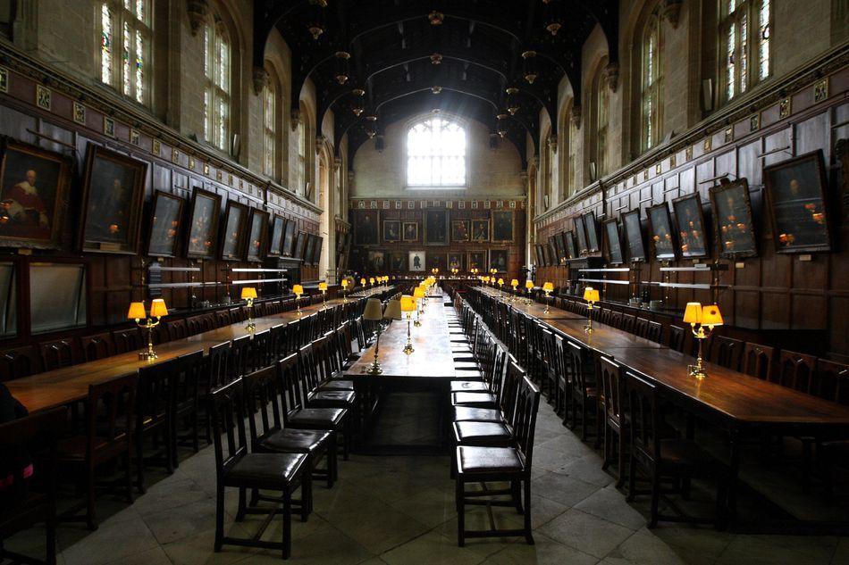 O refeitório da Christ Church, uma faculdade de Oxford, inspirou o visual do Grande Salão de Hogwarts.