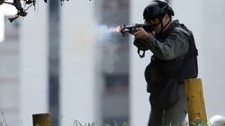 Κινηματογραφική σύλληψη. Αστυνομικοί εισβάλλουν σε ξενοδοχείο για να συλλάβουν έναν από τους πιο επικίνδυνους