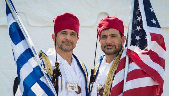 Χιλιάδες δίδυμα αδέρφια απ' όλο τον κόσμο συγκεντρώθηκαν σε ένα από τα πιο ιδιαίτερα φεστιβάλ της