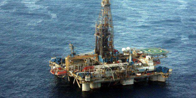 ΥΠΕΝ: Προκήρυξη δύο διεθνών διαγωνισμών για την έρευνα και εκμετάλλευση υδρογονανθράκων σε Ιόνιο και