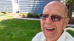 Ένας 94χρονος χήρος βρήκε τον πιο γλυκό και ανθρώπινο τρόπο για να μη νιώθει