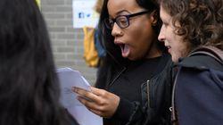 Βρετανία: Οι νέοι έχουν χιούμορ και το δείχνουν στο