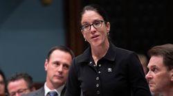Sonia LeBel affirme par erreur que le Québec est une province