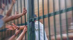 Βρέθηκαν «φυλακισμένοι» 14 μετανάστες σε αποθήκη στη