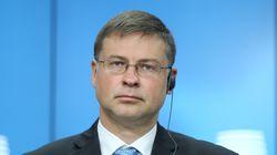 «Παρακολουθούμε τις εξελίξεις με ανησυχία» δηλώνει ο Ντομπρόβσκις σχετικά με την καταδίκη του