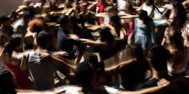 Λουκέτο και πρόστιμα σε Κέρκυρα και Κω για μη έκδοση αποδείξεων σε συναυλίες γνωστών