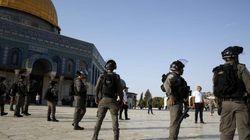 Η ισραηλινή αστυνομία απαγόρευσε την πρόσβαση στην Πλατεία των Τζαμιών στους άνδρες κάτω των
