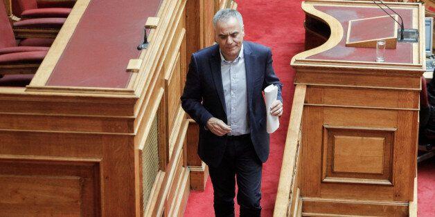 Bουλή: Ψηφίστηκε το πολυνομοσχέδιο για τους