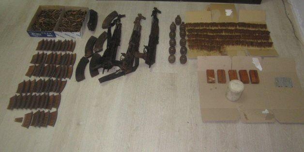 Στην Αθήνα θα έφτανε το οπλοστάσιο που βρέθηκε στα σύνορα με Αλβανία. Πώς στήθηκε η