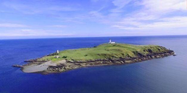 Αυτό το νησί με το «σκοτεινό» παρελθόν πωλείται και κοστίζει λιγότερο από ένα μικρό διαμέρισμα στο